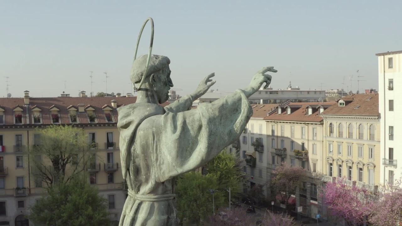 Ali Dorate: la Milano del lockdown parla attraverso le sue statue